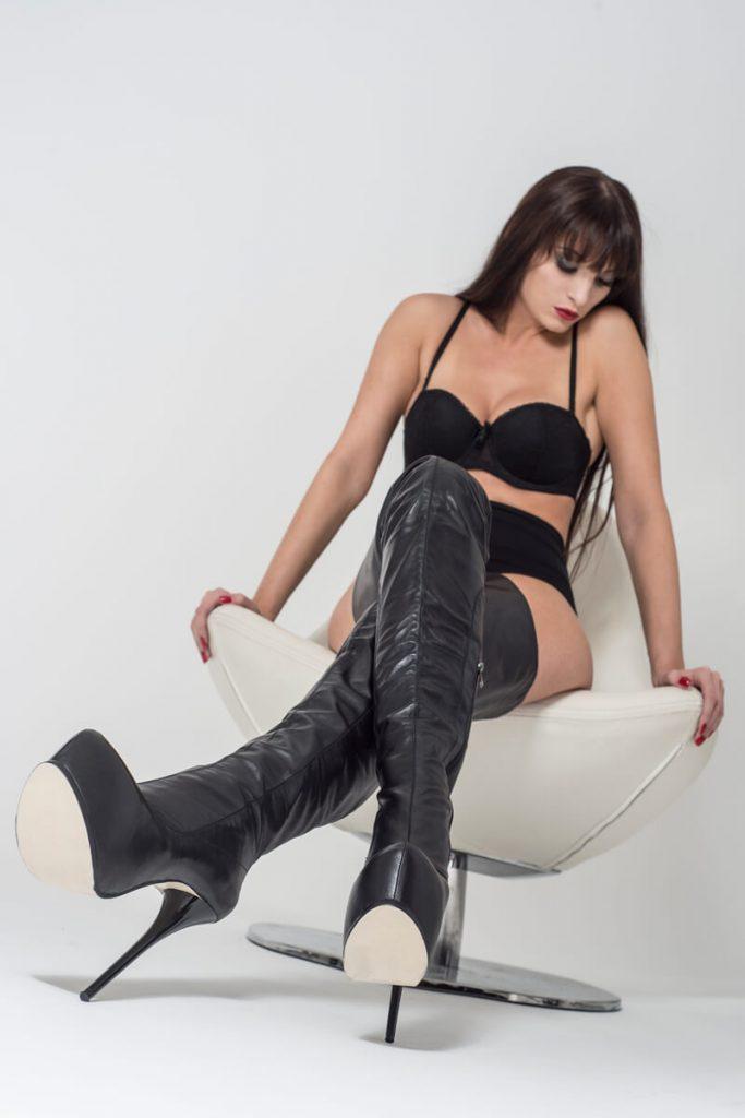 Arollo Leather Heeled Boots AROLLO-anna2-5-683x1024